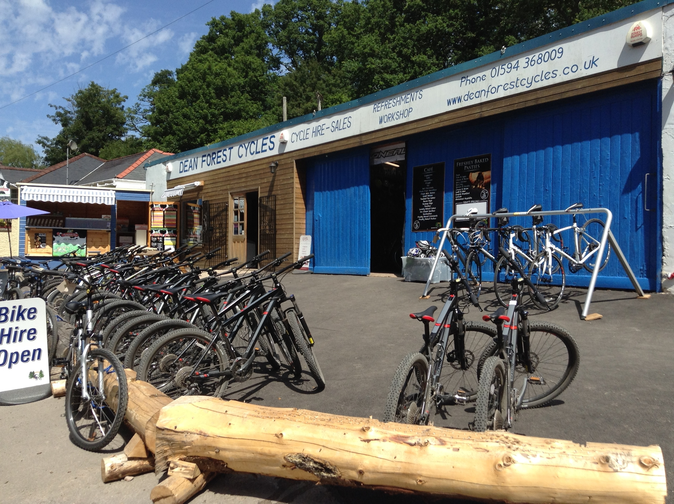 dean forest cycles shop front